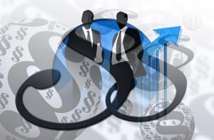 Bild Anwalt (© pixabay): Zeigt zwei Anwälte vor Paragraphen.